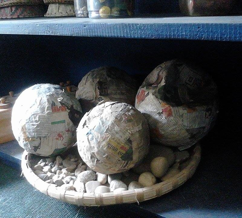 Learn to count with stones or papier maché balls